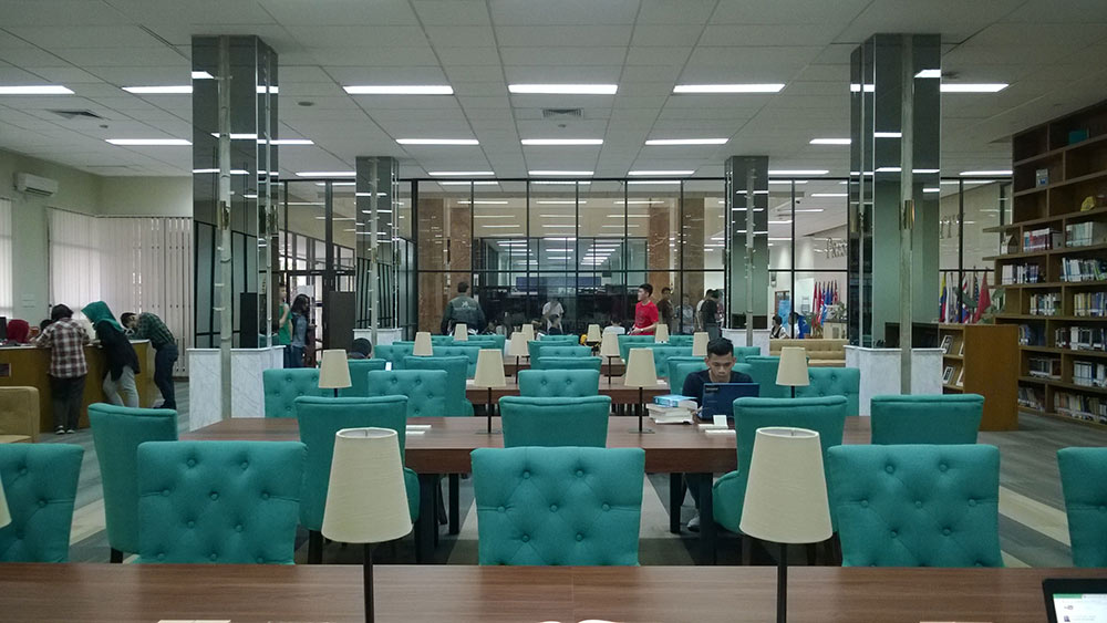 Peresmian Adam Kurniawan Library President University