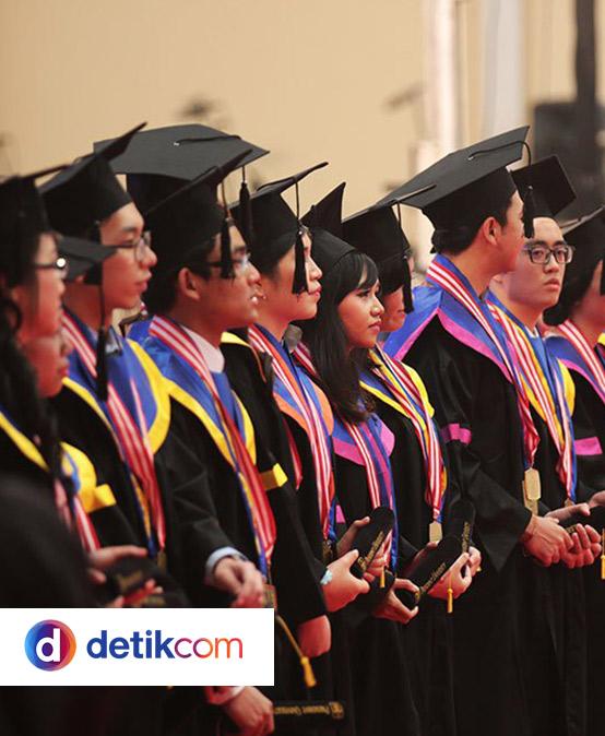 President University Cetak Rekor Lulusan Terbaik
